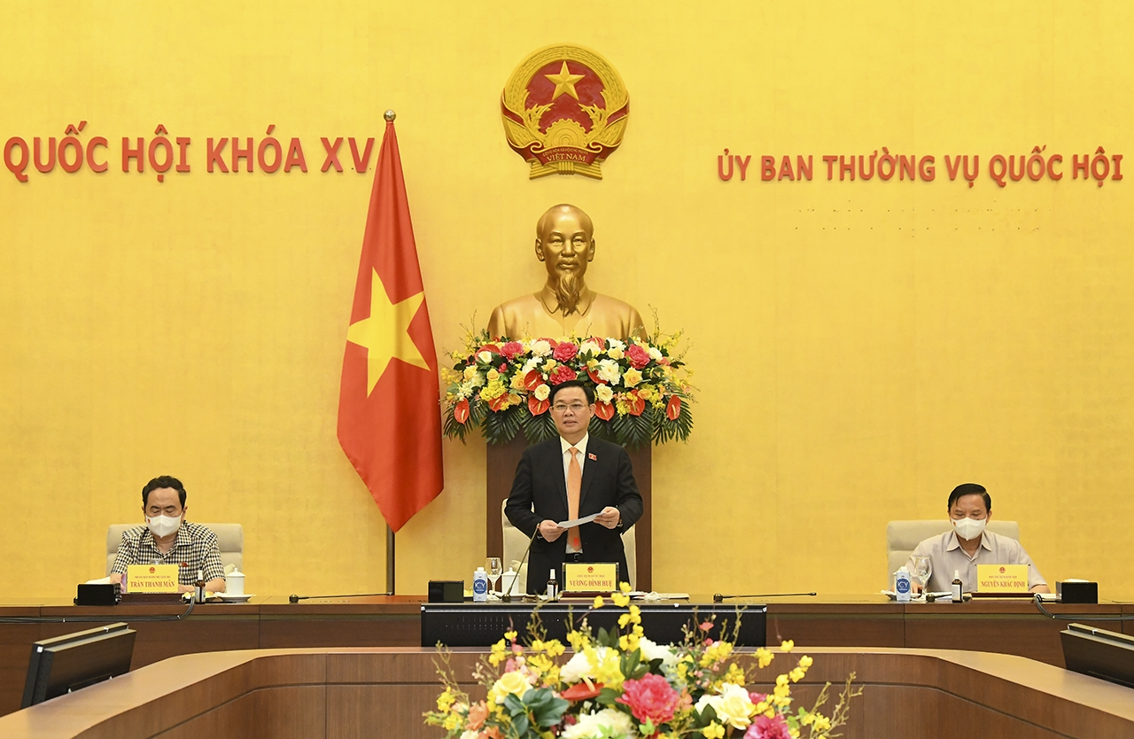 Chủ tịch Quốc hội Vương Đình Huệ phát biểu chỉ đạo tại buổi làm việc