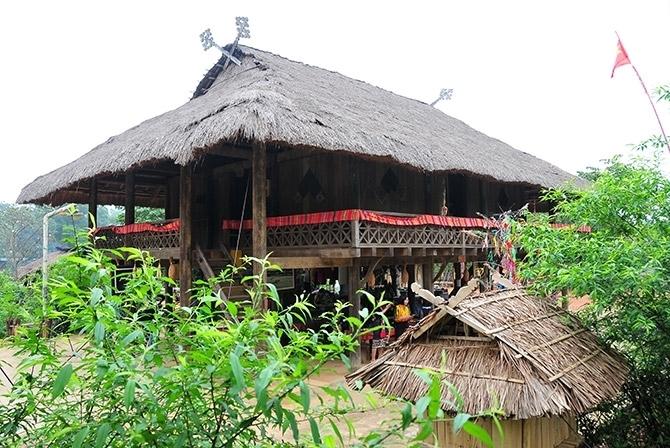 Làng dân tộc Thái thuộc Khu các làng dân tộc, Làng Văn hóa - Du lịch các dân tộc Việt Nam, có diện tích 0,46 ha, trong đó, diện tích xây dựng là 437,84m2