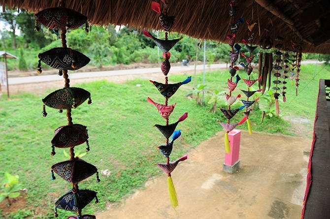 2 nhà sàn của dân tộc Thái tại Làng Văn hóa - Du lịch các dân tộc Việt Nam có tổng diện tích 412,38m2, bao gồm nhà sàn dân tộc Thái trắng và nhà sàn dân tộc Thái đen