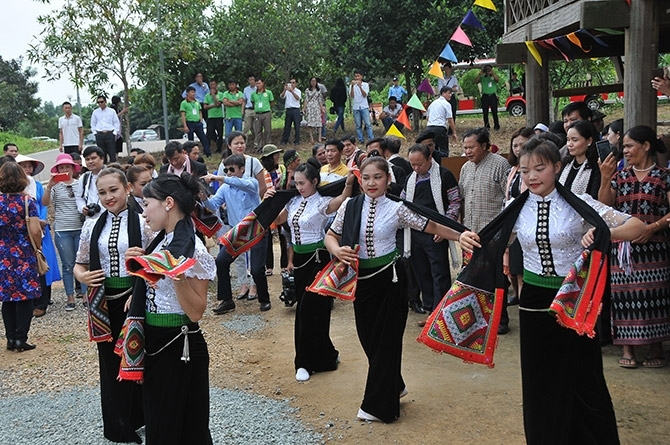 Dân tộc Thái cùng với dân tộc Mường là một trong hai dân tộc về tham gia hoạt động thường xuyên đầu tiên tại Làng Văn hóa - Du lịch các dân tộc Việt Nam từ cuối năm 2015
