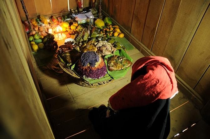 Một nghi thức trong Tết Xíp Xí người Thái trắng, tỉnh Sơn La