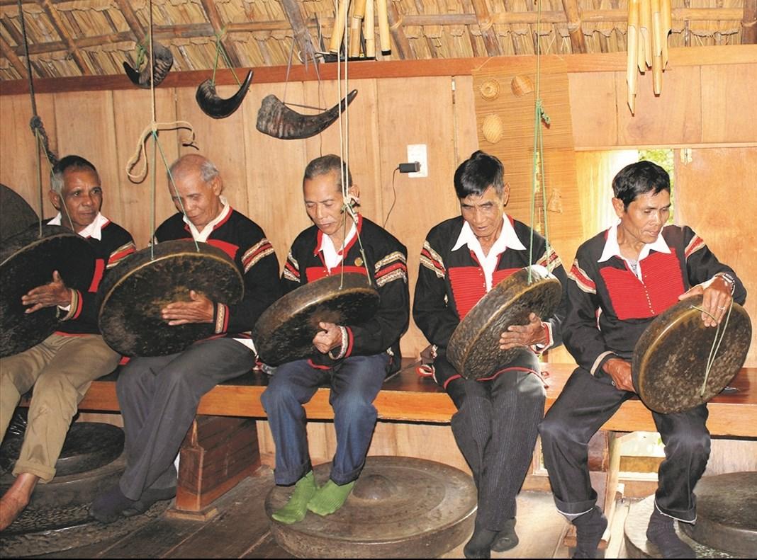 Các nghệ nhân cồng chiêng ở Đắk Lắk luôn giữ gìn và bảo tồn văn hóa của dân tộc mình.