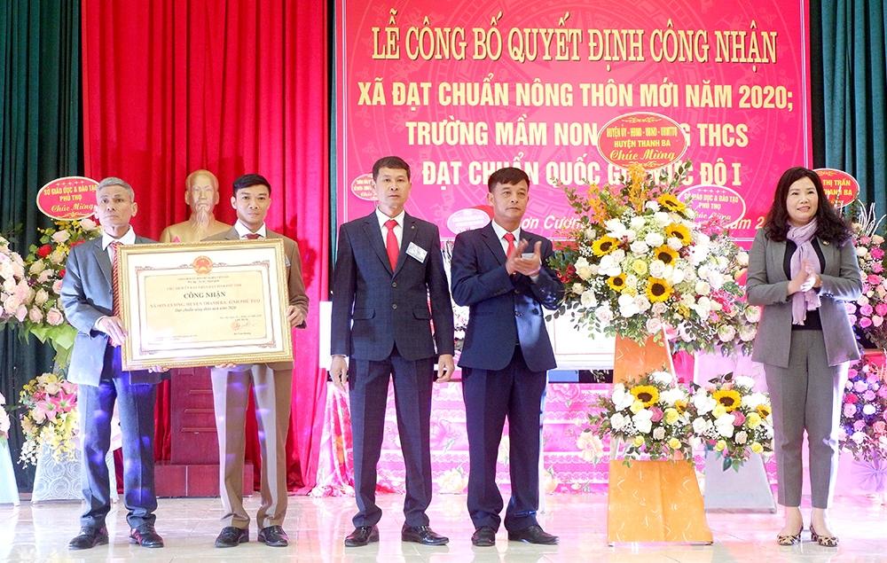 Đảng bộ, Chính quyền và Nhân dân xã Sơn Cương đón nhận Bằng công nhận xã đạt chuẩn Nông thôn mới, tháng 1/2021