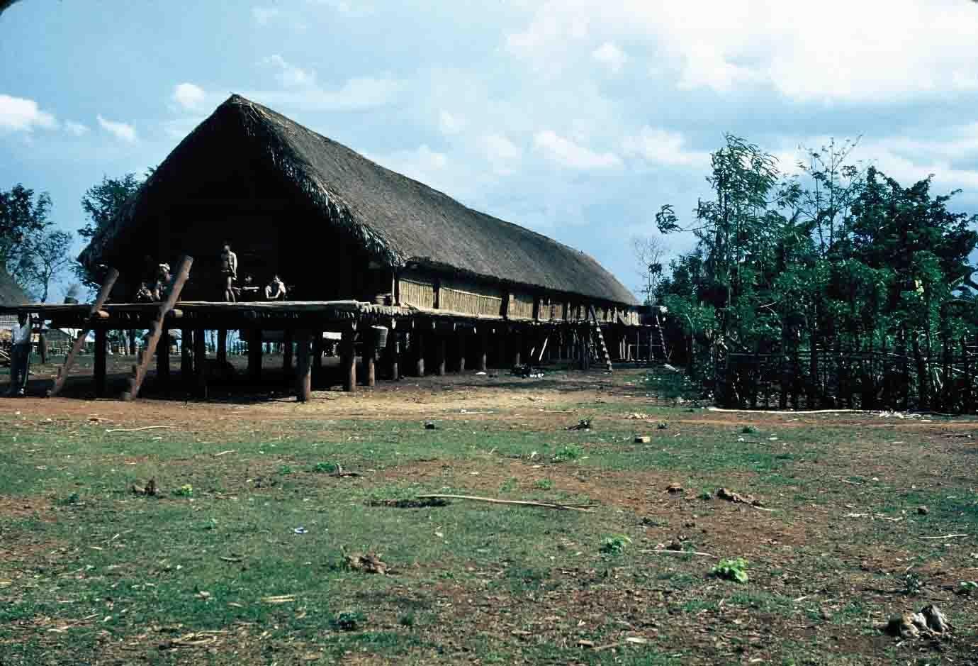 Nhà sàn Gia Rai, năm 1964