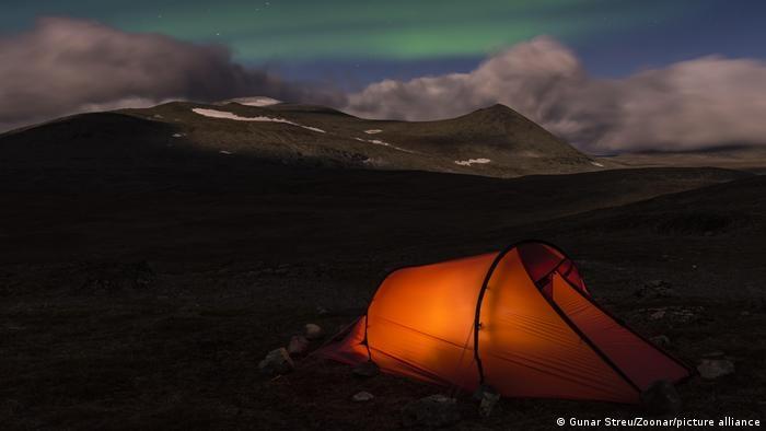 Khu bảo tồn thiên nhiên hoang dã rộng lớn nằm ở tỉnh Lapland quả là thiên đường cho với du khách ưa khám phá. Đây cũng là nơi tập trung nhiều đỉnh núi cao nhất ở Thụy Điển, với cao nguyên rộng và sông băng.
