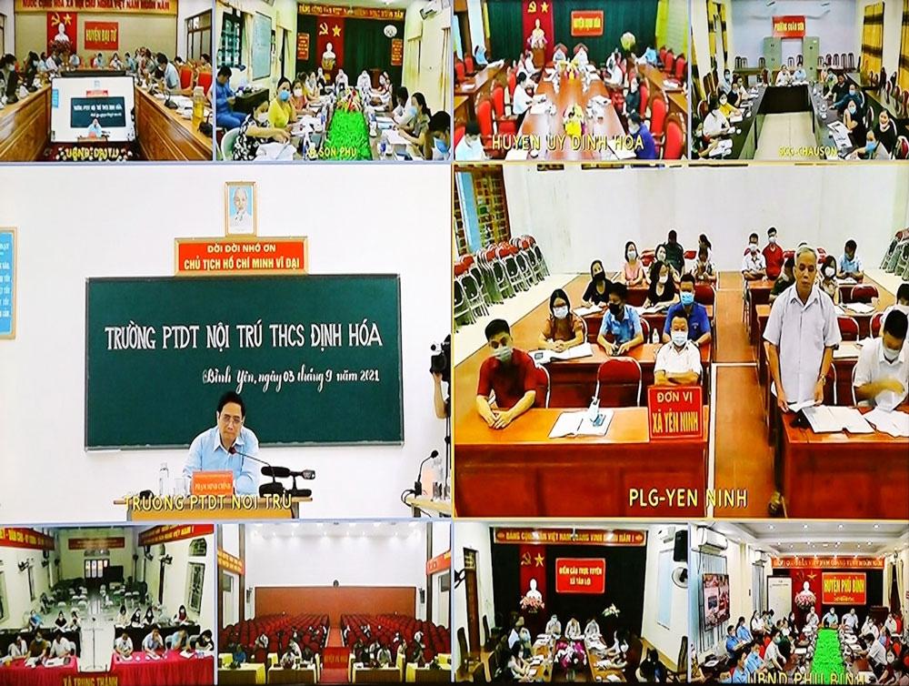Cuộc làm việc được kết nối trực tuyến với các huyện, thành phố, thị xã và toàn bộ 178 xã, phường, thị trấn của tỉnh Thái Nguyên - Ảnh: VGP/Nhật Bắc