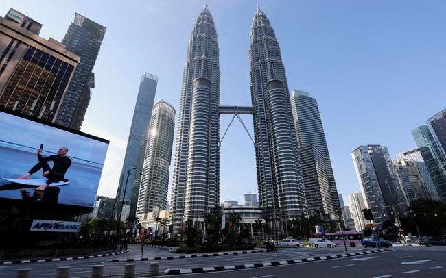 Quang cảnh những con đường vắng vẻ trong thời gian bị giãn cách do dịch bệnh coronavirus bùng phát ở Kuala Lumpur