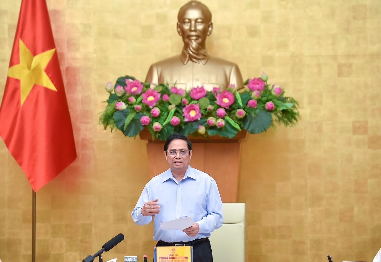 Thủ tướng trực tiếp chỉ đạo, nhắc nhở, hướng dẫn nhiều điểm cần lưu ý với các địa phương. Ảnh: VGP/Nhật Bắc