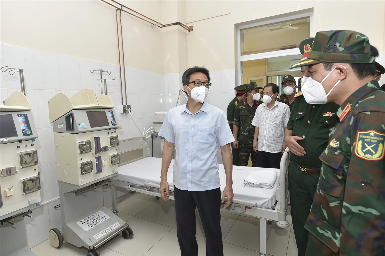 Lực lượng quân đội đã triển khai 11 cơ sở điều trị bệnh nhân COVID-19 với tổng số 6.150 giường, gồm 8 bệnh viện dã chiến truyền nhiễm và 3 bệnh viện tăng cường thu dung điều trị. (Ảnh: VGP/Đình Nam)