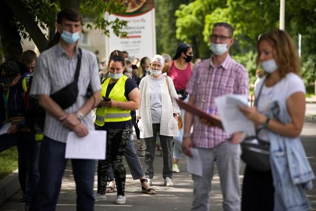 Hơn 221,49 triệu người trên thế giới đã nhiễm virus SARS-CoV-2. (Ảnh: AP)