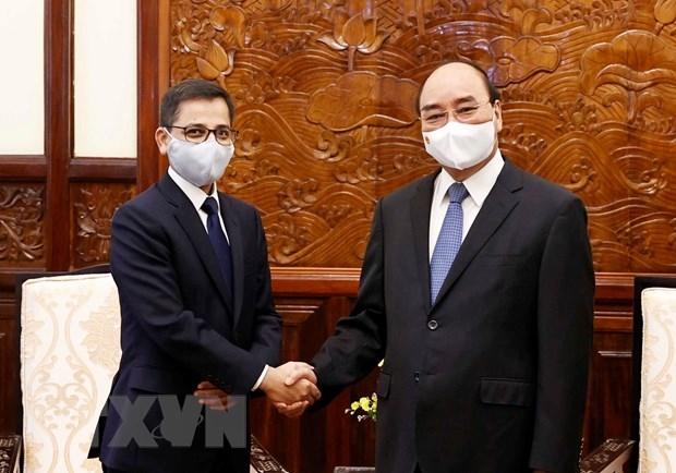 Chủ tịch nước Nguyễn Xuân Phúc và Đại sứ Ấn Độ tại Việt Nam Pranay Verma - Ảnh: TTXVN