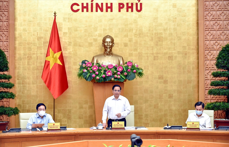 Thủ tướng Phạm Minh Chính: Kiểm soát tốt dịch bệnh là yếu tố quyết định phục hồi kinh tế - Ảnh: VGP/Nhật Bắc
