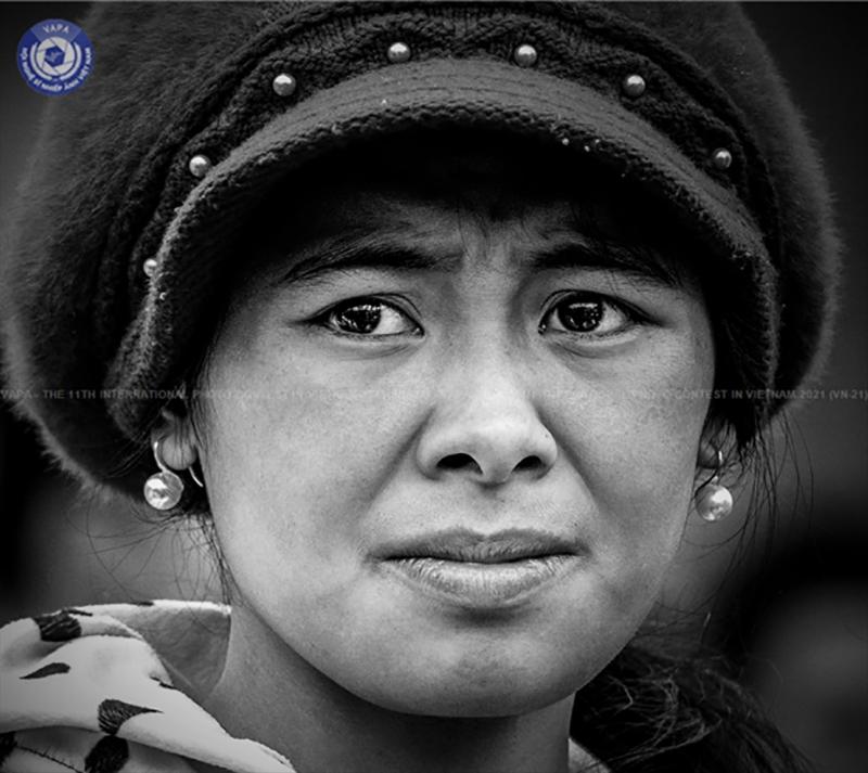 """Tác phẩm """"Suy tư"""" của Nguyễn Mạnh Hải (Việt Nam) đoạt Huy chương Bạc thể loại ảnh Chân dung"""