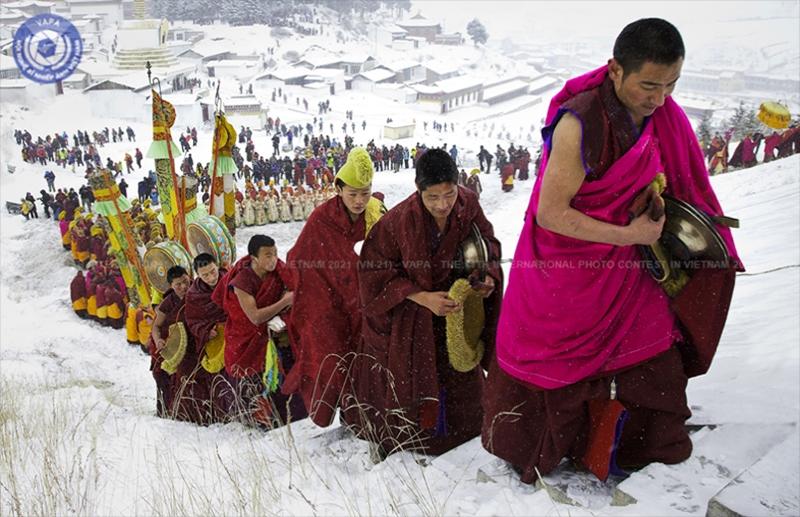 """Tác phẩm """"Đi bộ trong tuyết"""" của Phillip Kwan (Canada) đoạt Huy chương Vàng thể loại ảnh Du lịch"""