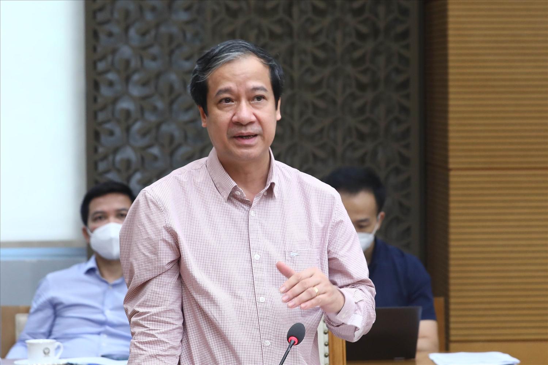 Bộ trưởng Bộ GD&ĐT Nguyễn Kim Sơn khẳng định trong tình hình dịch bệnh hiện nay, dạy học trực tuyến là phương thức chính, dạy học trên truyền hình là phương thức bổ trợ quan trọng nhất. Ảnh: VGP/Đình Nam
