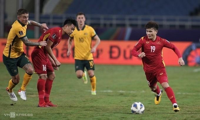 Mặc dù do ảnh hưởng nặng từ dịch COVID-19 nhưng đội tuyển bóng đá nam đã lập thành tích để lần đầu tiên được góp mặt tại Vòng loại cuối FIFA World Cup 2022 (Ảnh: VNEXPRESS)