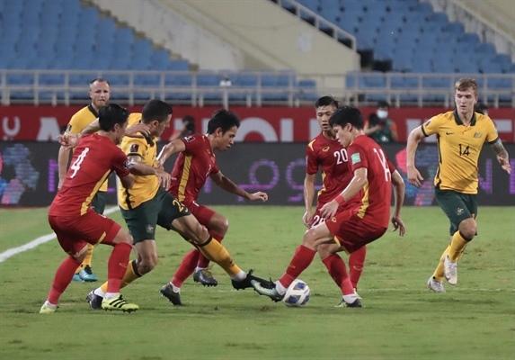 Đội tuyển Việt Nam thi đấu kiên cường trong hiệp 2