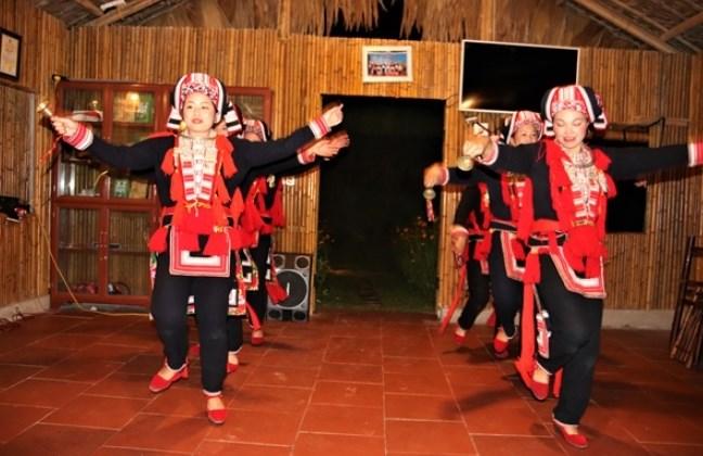 Du lịch cộng đồng giúp bảo tồn, phát huy, lan tỏa các giá trị văn hóa đặc sắc của Việt Nam Ảnh: QUẢNG HÀ