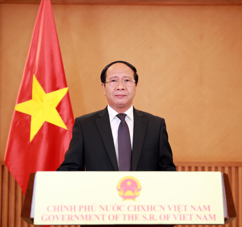 Phó Thủ tướng Lê Văn Thành mong muốn Trung Quốc, ASEAN tạo điều kiện thuận lợi nhất cho các doanh nghiệp, hàng hóa của Việt Nam xuất khẩu vào thị trường Trung Quốc, ASEAN. Ảnh VGP/Đức Tuân