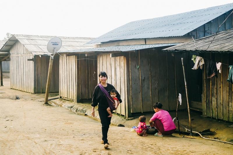 Cuộc sống mới lại về trên nóc Lâng Loan. Người dân ở đây sẽ xây dựng nóc làng giàu có hơn và chắc hẳn họ sẽ biết trân trọng hạnh phúc, bình yên mà họ đang có.