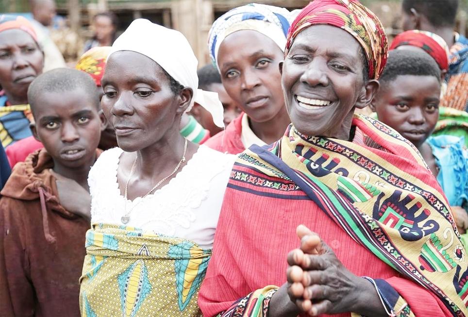 Nụ cười phụ nữ Burundi