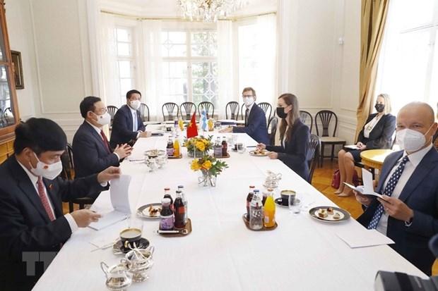 Chủ tịch Quốc hội Vương Đình Huệ hội kiến Thủ tướng Cộng hòa Phần Lan Sanna Marin. (Ảnh: Doãn Tấn/TTXVN)