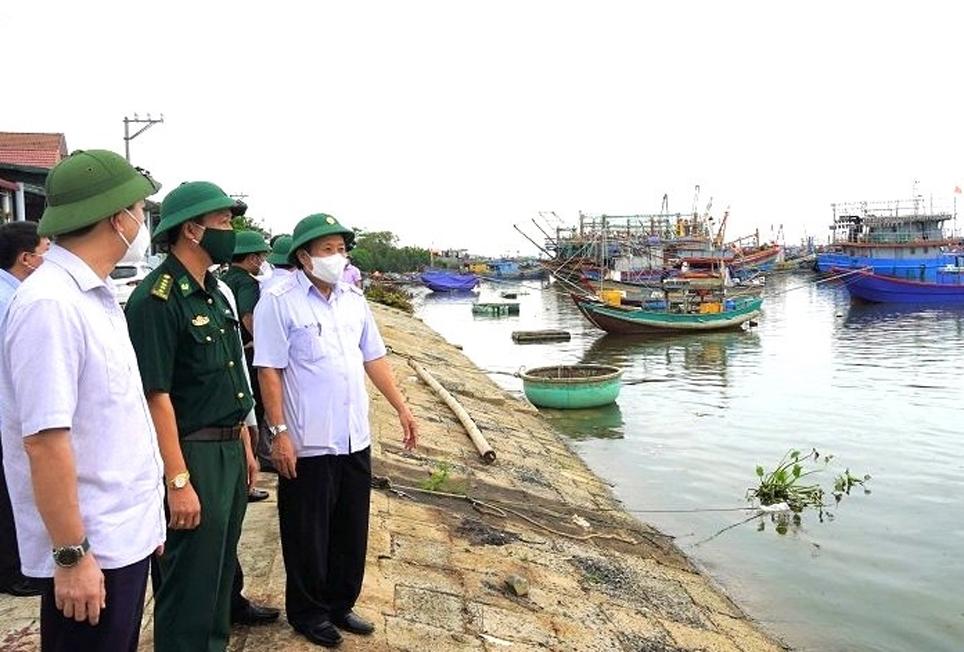 Lãnh đạo tỉnh Quảng Trị xuống các địa bàn ven biển chỉ đạo phòng chống Bão số 5