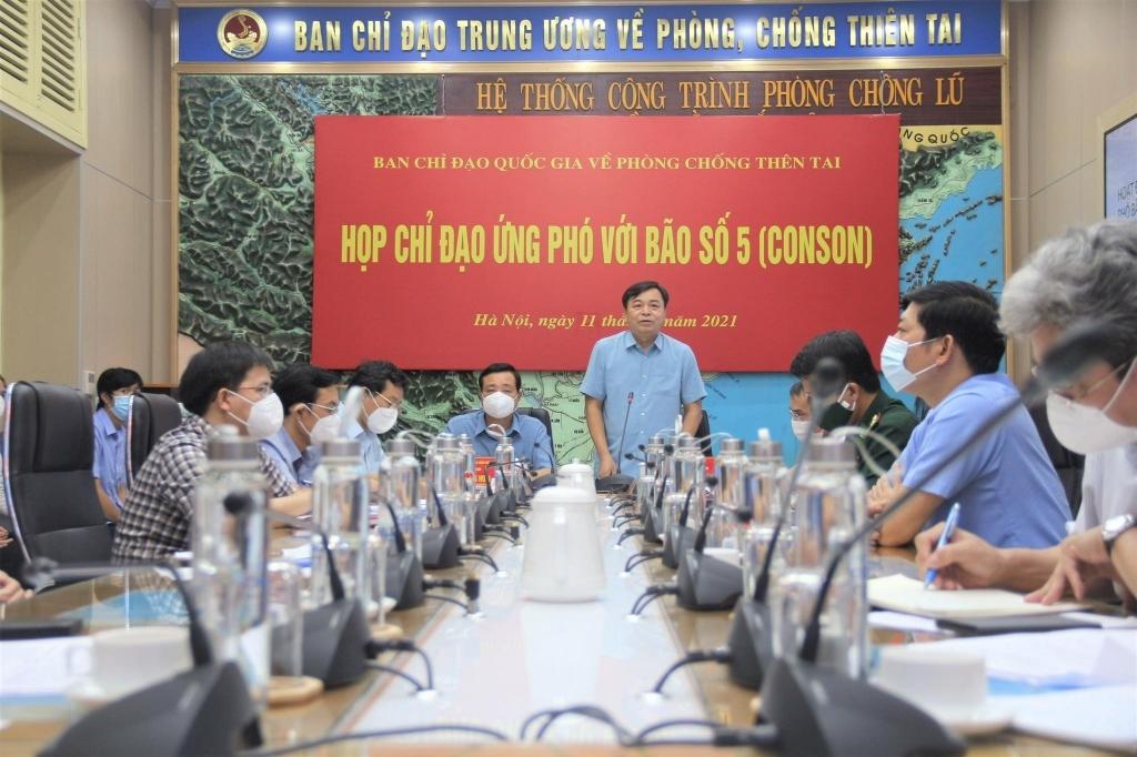 Ban Chỉ đạo Quốc gia về Phòng chống thiên tai liên tục tổ chức các cuộc họp khẩn để ứng phó với tình hình mưa bão