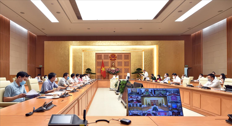 """Phó Thủ tướng Lê Văn Thành nhấn mạnh, Hội nghị hôm nay có ý nghĩa thiết thực để """"Chính phủ lắng nghe, có giải pháp điều hành, làm sao để chúng ta đạt kết quả tốt hơn"""" - Ảnh VGP/Đức Tuân"""