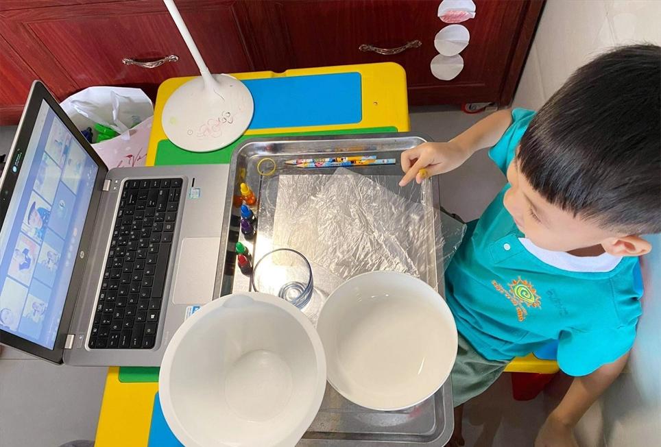 Trường Mầm non Mặt trời nhỏ thí điểm cho trẻ học trực tuyến vào dịp Hè