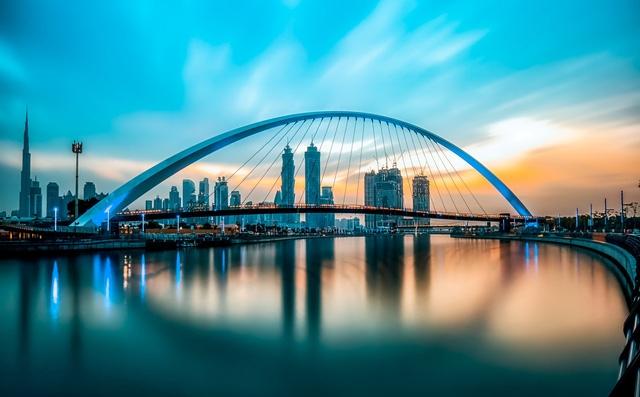 Dubai trong ánh bình minh (Ảnh TL)