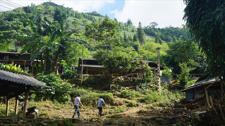 16 hộ dân thôn Vả Thàng ở trong vùng đặc biệt nguy hiểm sẽ được di chuyển xong trước ngày 30/9/2021
