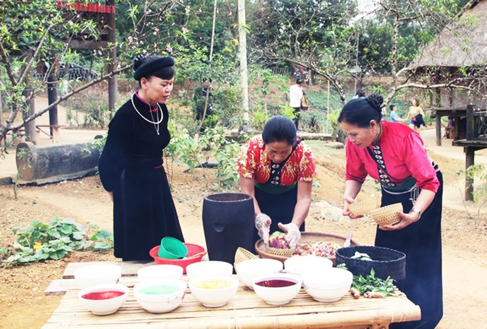 Cần gắn công tác bảo tồn vào đời sống cộng đồng để bản sắc văn hóa truyền thống thực sự