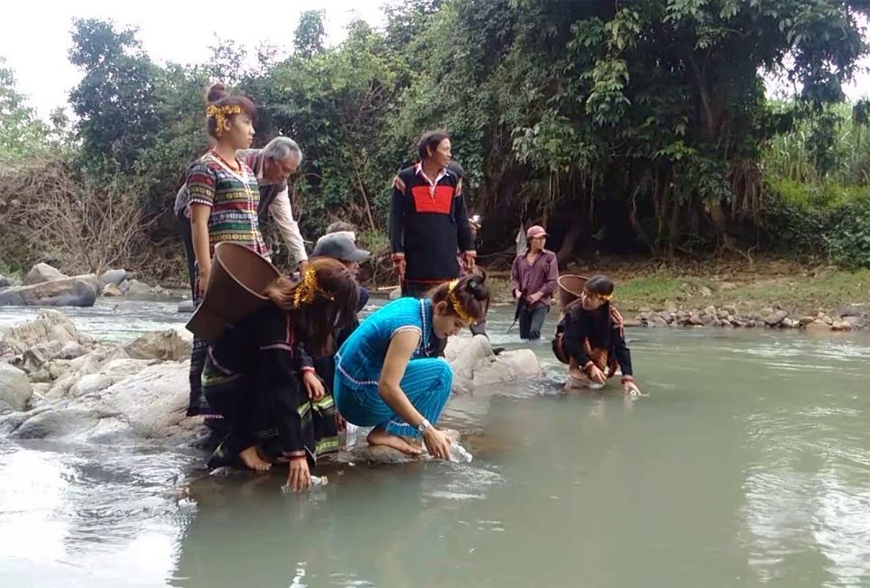 Lễ cúng bến nước, một nét văn hóa độc đáo của người Ê Đê xã Ninh Tây