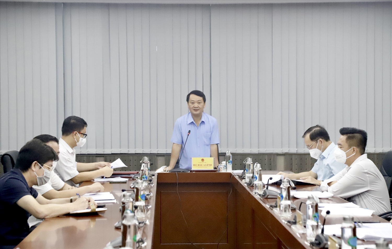 Bộ trưởng, Chủ nhiệm Hầu A Lềnh phát biểu tại cuộc họp