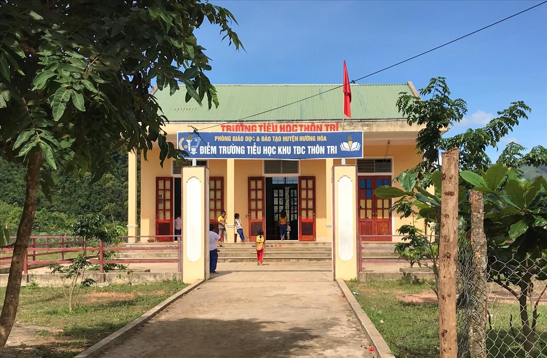 Điểm trường Tiểu học thôn Tri được đầu tư xây dựng tạo thuận lợi cho con em đi học