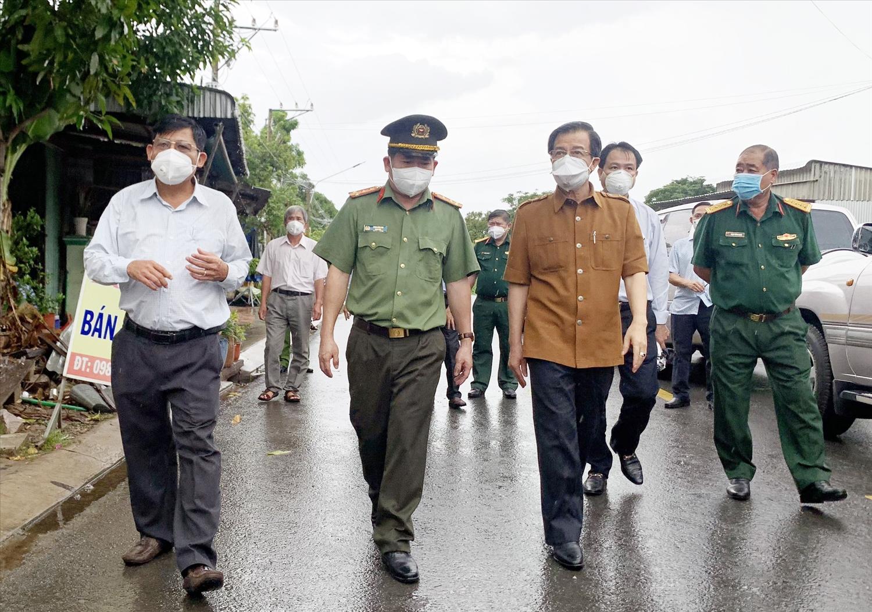 Lực lượng chức năng tỉnh An Giang kiểm tra công tác phòng, chống dịch trên địa bàn huyện An Phú