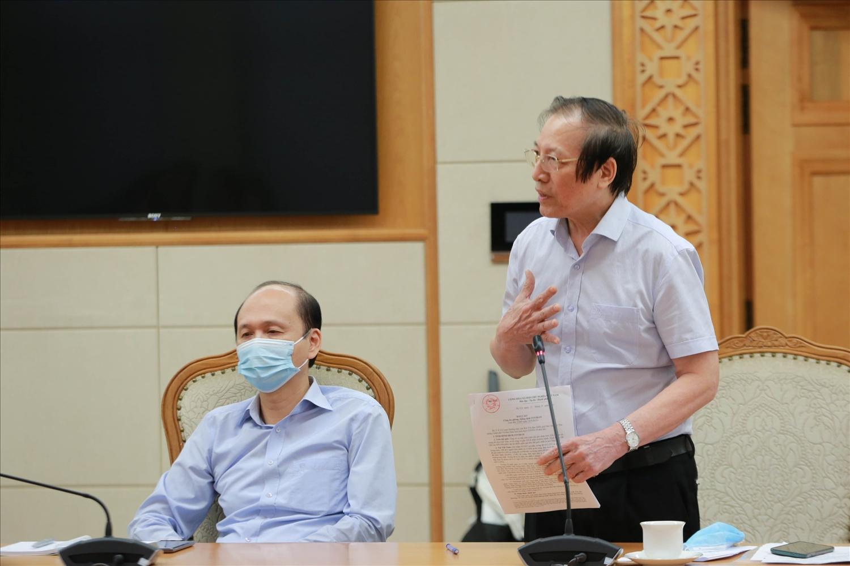 GS.TS Đỗ Tất Cường, Phó Chủ tịch Hội Hồi sức cấp cứu, chống độc Việt Nam đề nghị tăng cường năng lực điều trị ngay từ những tầng dưới, giảm tỷ lệ diễn biến nặng phải chuyển lên các tầng cao hơn. Ảnh: VGP/Đình Nam