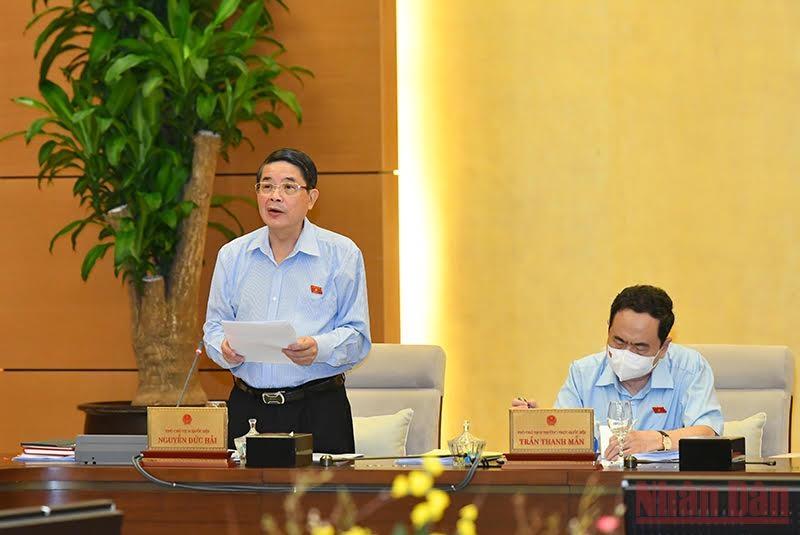 Phó Chủ tịch Quốc hội Nguyễn Đức Hải điều hành nội dung phiên họp. Ảnh: Duy Linh
