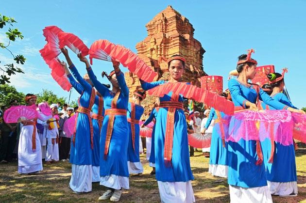 Lễ hội Katê của đồng bào Chăm theo đạo Bàlamôn tỉnh Bình Thuận. (Ảnh tư liệu)