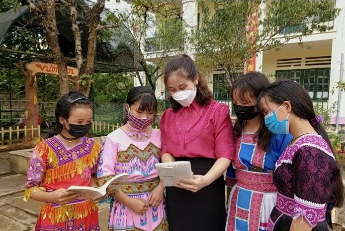 Tăng cường tuyên truyền phòng chống tảo hôn trong các trường học (Ảnh TL)