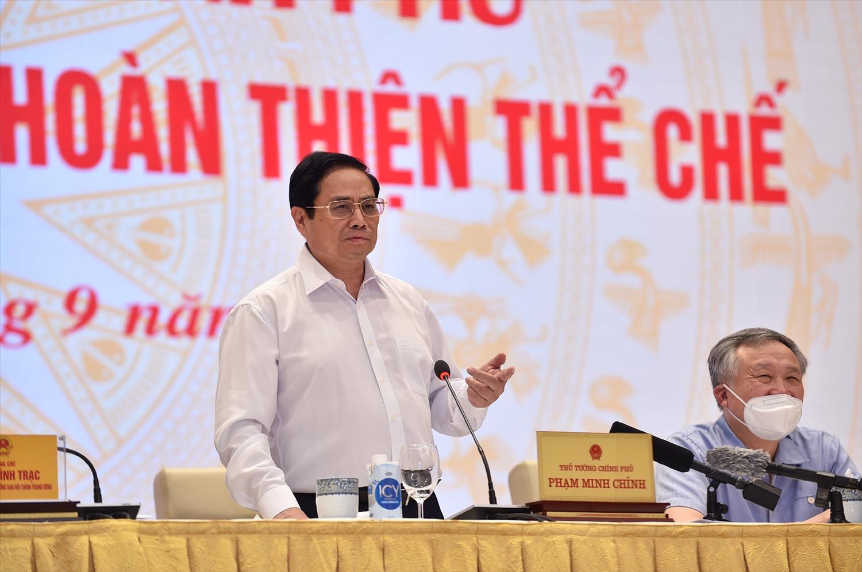 Thủ tướng Phạm Minh Chính yêu cầu trong tổ chức thi hành pháp luật, phải quán triệt tận cơ sở, tới người dân, doanh nghiệp, tới đối tượng điều chỉnh. - Ảnh: VGP/Nhật Bắc