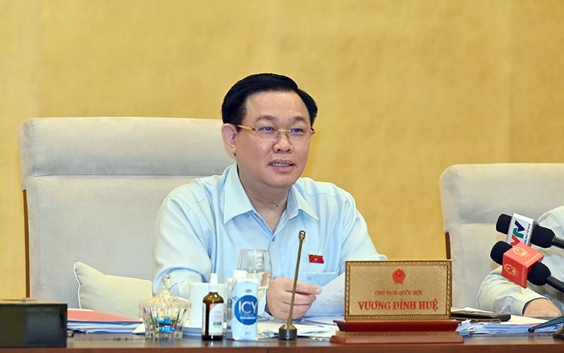 Chủ tịch Quốc hội Vương Đình Huệ phát biểu ý kiến tại cuộc họp. (Ảnh: Duy Linh)