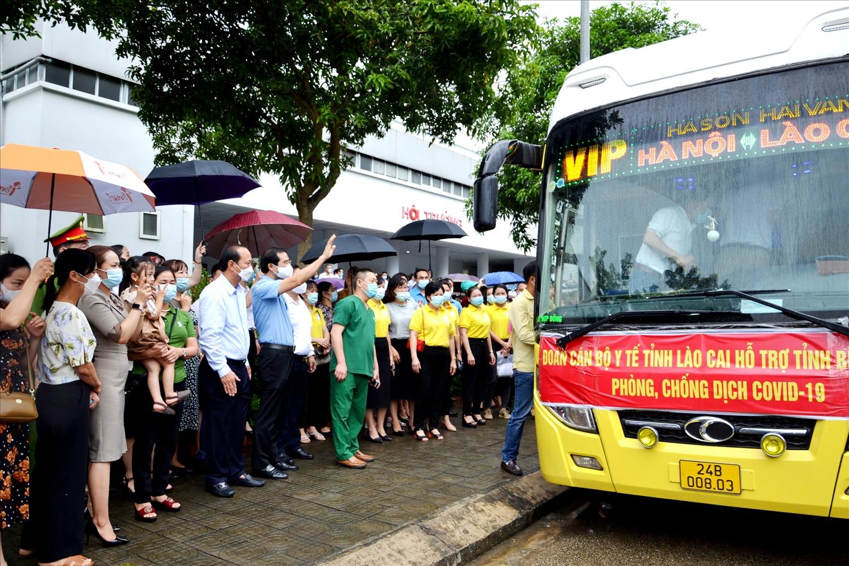 Đoàn y, bác sĩ Lào Cai lên đường vào tỉnh Bình Dương chống dịch Covid-19 và dự kiến sẽ làm việc tại Bệnh viện dã chiến số 1