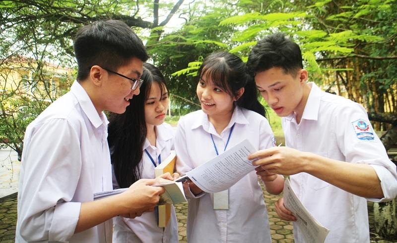 Nếu không đậu tất cả các nguyện vọng, thí sinh có thể tham khảo một số trường vẫn tiếp tục nhận hồ sơ xét tuyển học bạ để nắm chắc cơ hội trúng tuyển vào đại học. Ảnh minh họa