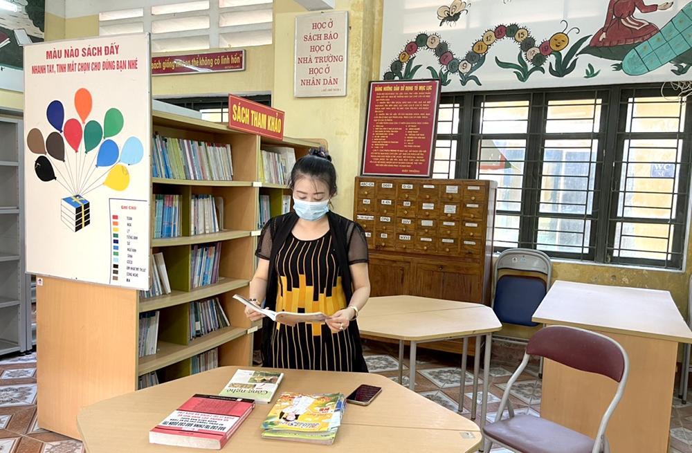 Trường PTDT nội trú THCS huyện Thanh Sơn có thư viện khang trang, phục vụ nhu cầu đọc sách của học sinh