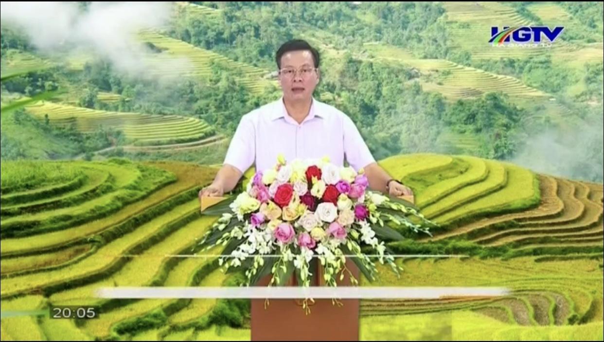 Chủ tịch UBND tỉnh Hà Giang Nguyễn Văn Sơn phát biểu khai mạc Chương trình