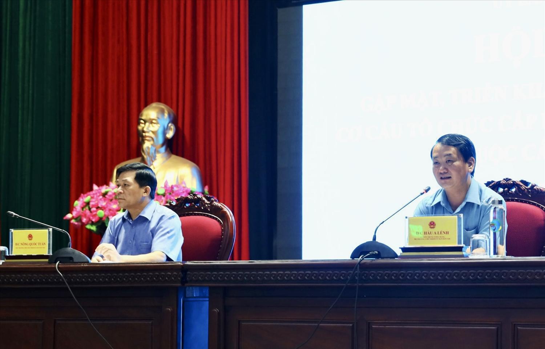 Bí thư Ban Cán sự Đảng, Bộ trưởng, Chủ nhiệm Hầu A Lềnh và Bí thư Đảng ủy, Thứ trưởng, Phó Chủ nhiệm Nông Quốc Tuấn đồng chủ trì Hội nghị
