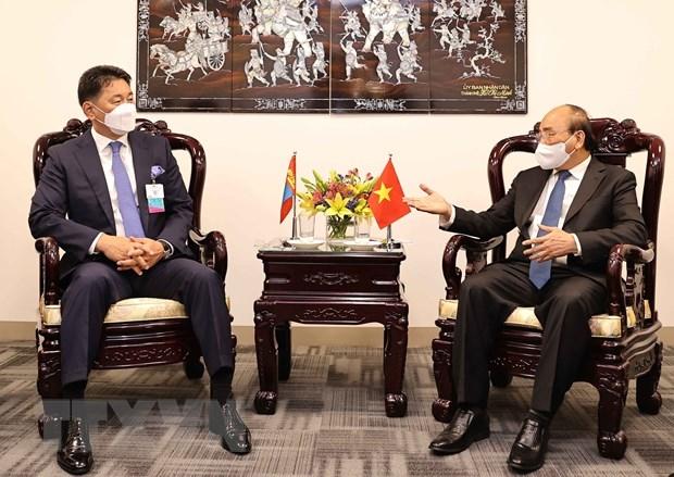 Chủ tịch nước Nguyễn Xuân Phúc tiếp Tổng thống Mông Cổ Ukhnaa Khurelsukh. (Ảnh: Thống Nhất/TTXVN)