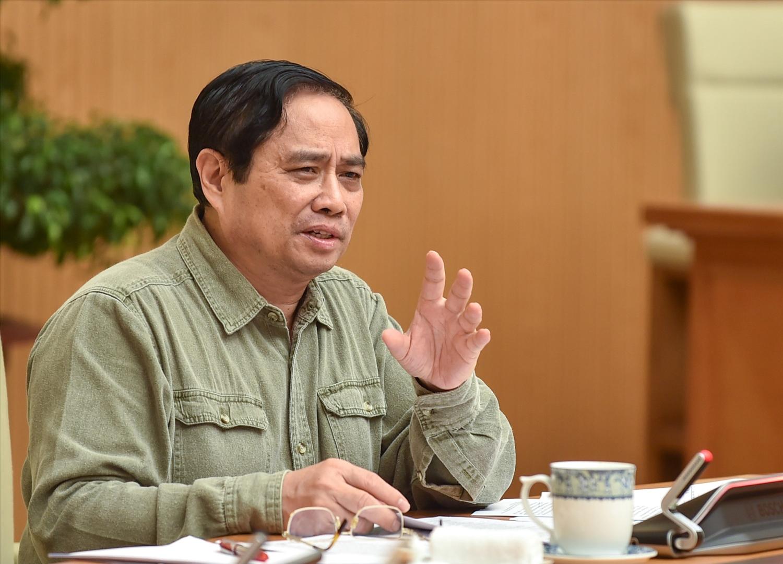 Thủ tướng Phạm Minh Chính: Vaccine vẫn còn khan hiếm cả trên thế giới và trong nước cho nên cách sử dụng phải thông minh hơn nữa, bảo đảm các địa bàn, đối tượng được ưu tiên - Ảnh: VGP/Nhật Bắc
